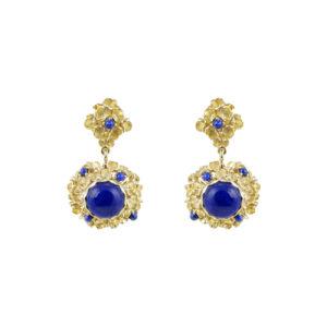 Ασημένια επίχρυσα κρεμαστά σκουλαρίκια με ανάγλυφα σχέδια κυψελών σε όμορφο ματ φινίρισμα και γνήσιες πέτρες από lapis lazuli.