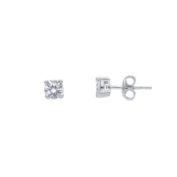 Ασημένια μονόπετρα σκουλαρίκια με ζιργκόν διαμέτρου 5 mm και τετράγωνο καστόνι. Ένα κλασικό μονόπετρο σκουλαρίκι ιδανικό για να φορεθεί όλες τις ώρες.